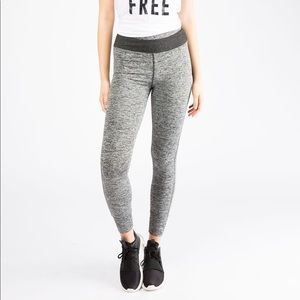 🎉 4 for $25 🎉 Bluenotes Active Leggings